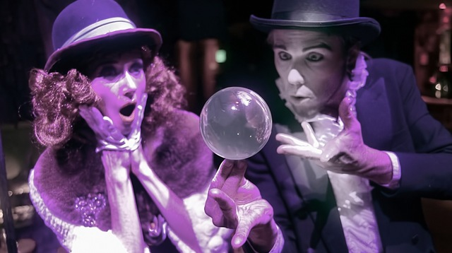 Lucent Dossier Magic Ball Illusionist by Clarence Rewi Jill Cliftons.jpeg