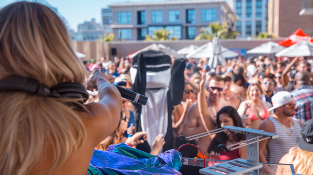 05.27.17 Sunburn-MDW-brooke-evers-shamu-web.jpeg