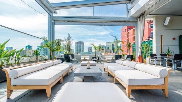 West-Roof-Lounge-9.jpg