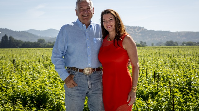 Alpha Omega Vintners Robin and Michelle Baggett_lg_Credit Suzanne Becker Bronk.jpg