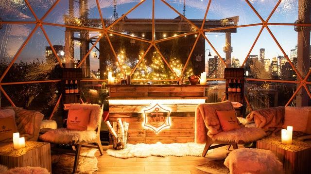 Clicquot Chalet Star.jpg