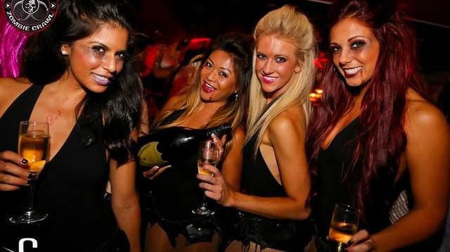 4 hot dead girls @ Sting.jpg