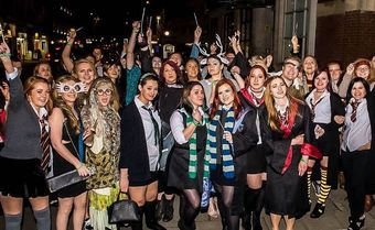 CRAWL TO HOGWARTS - HARRY POTTER PUB CRAWL!